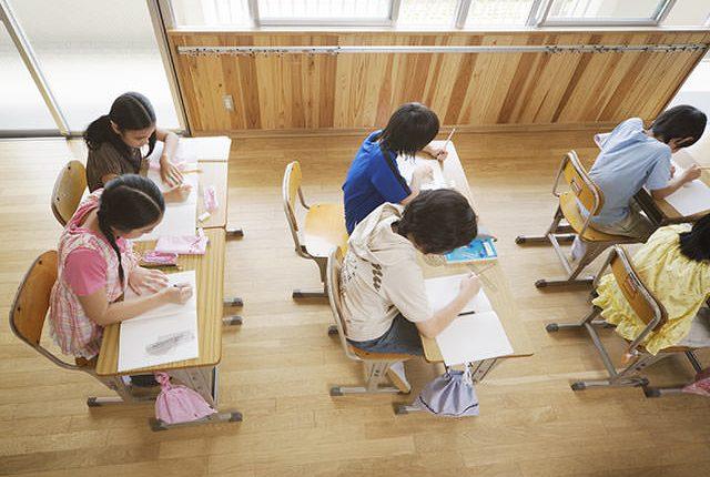 学習塾 夏季講習 家具レンタル